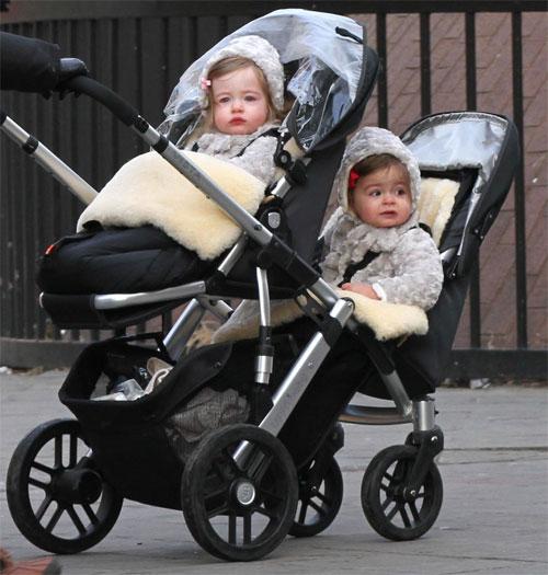 Как выбирать коляску для двойни