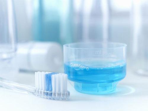Ополаскиватель полости рта: виды, выбор, значимость