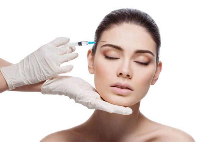 Ботокс для лица: этапы, особенности и цена процедуры