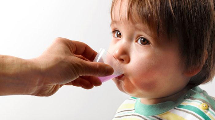 Как выбрать лекарства малышу до года?