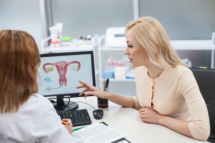 Когда нужно посетить женскую консультацию?
