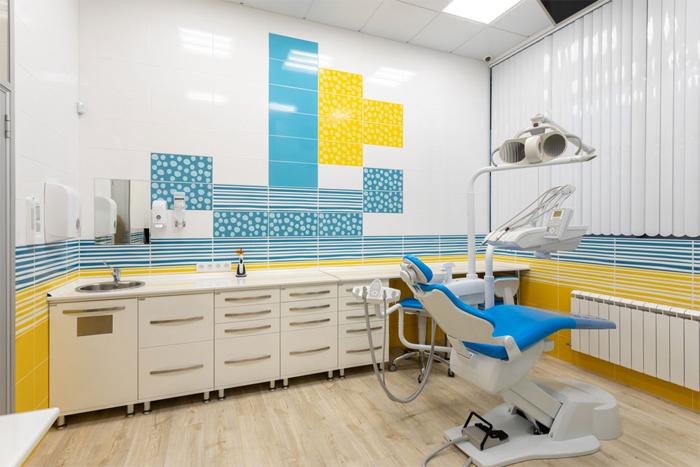 Когда ребёнка вести к стоматологу?