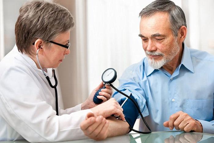 Медицинская книжка для сотрудников: особенности использования и хранения